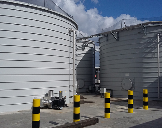 Storage of wastewater at an airport